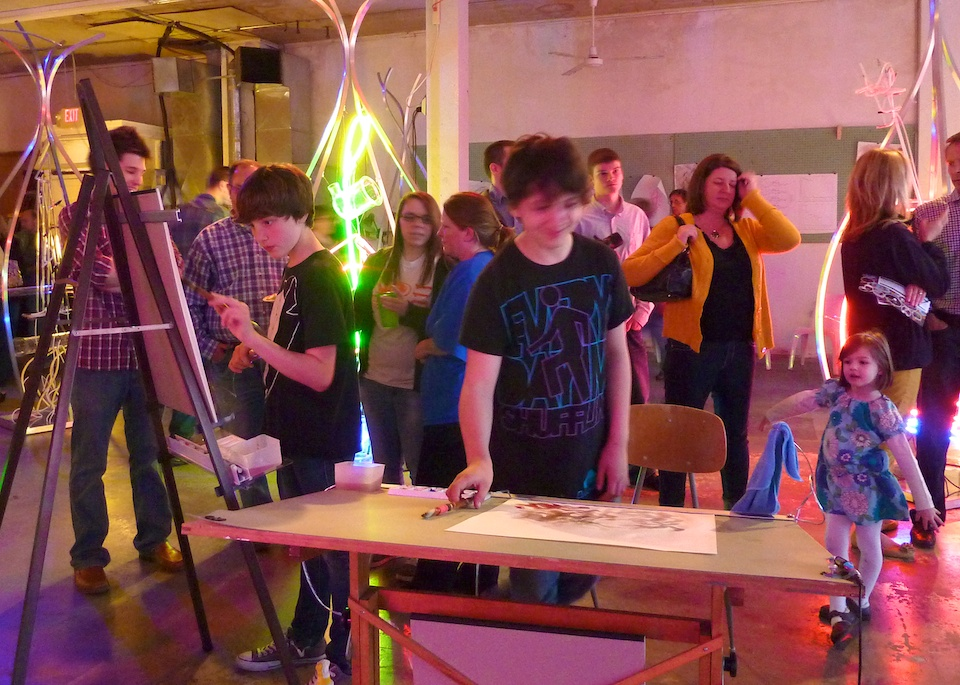 easel-desk-paintbrushes