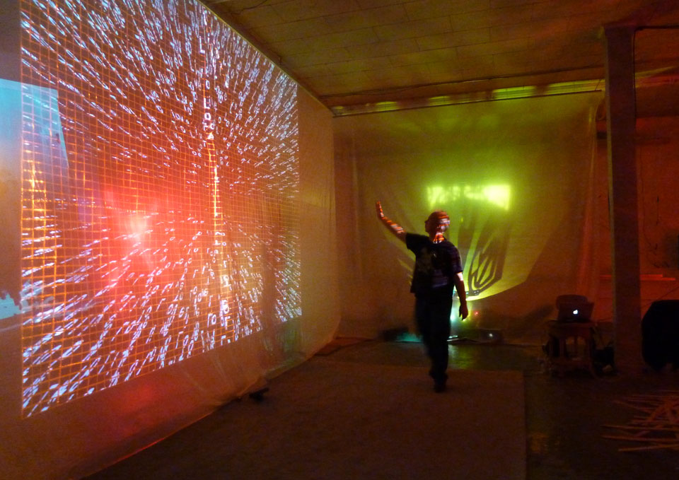 To Live To Love – psychedelic immersive video
